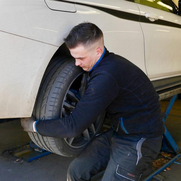 Centrale Piron - Une équipe d'expert et une large gamme de pneus été et hiver